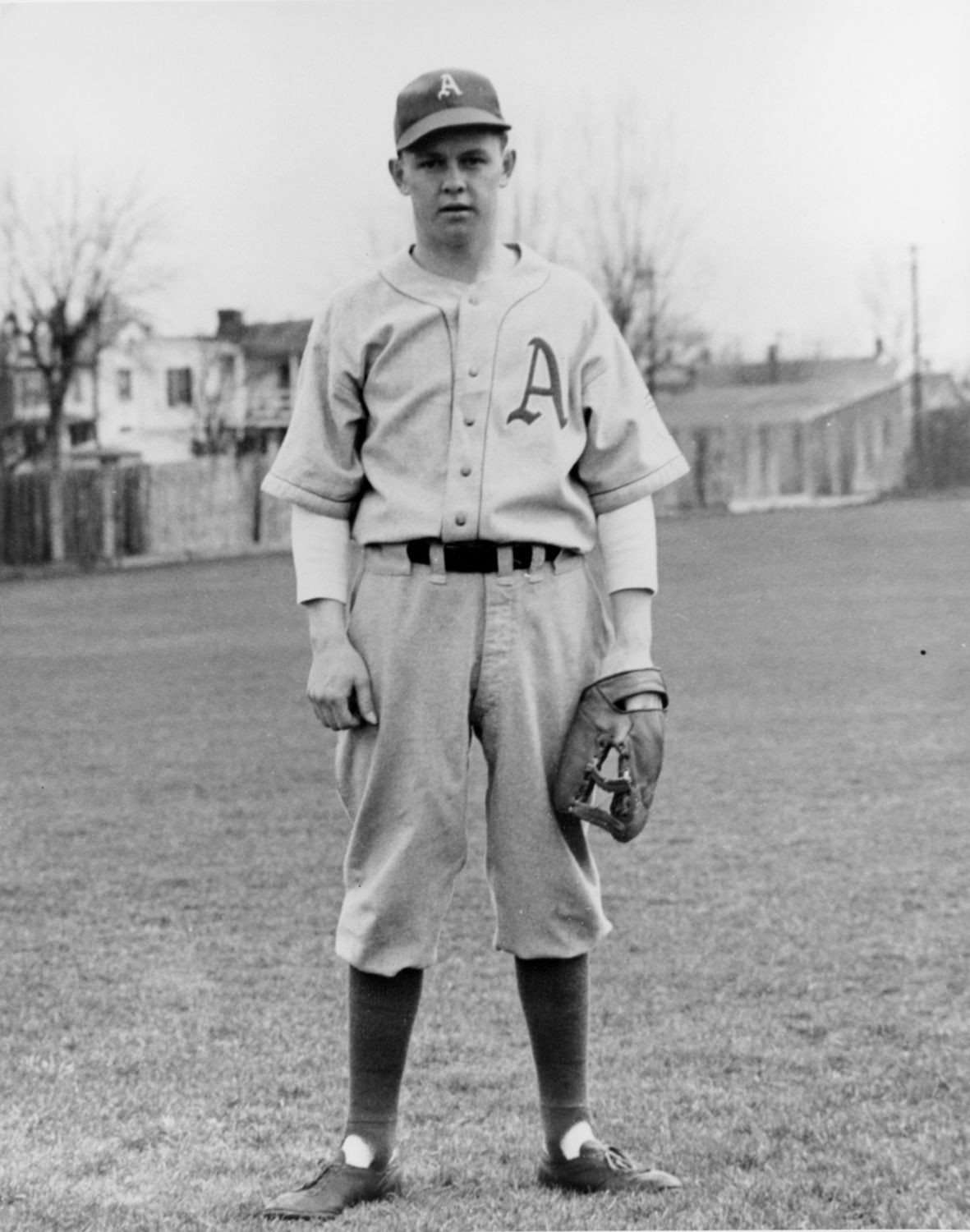 White Sox acquire future Hall of Famer Nellie Fox from the