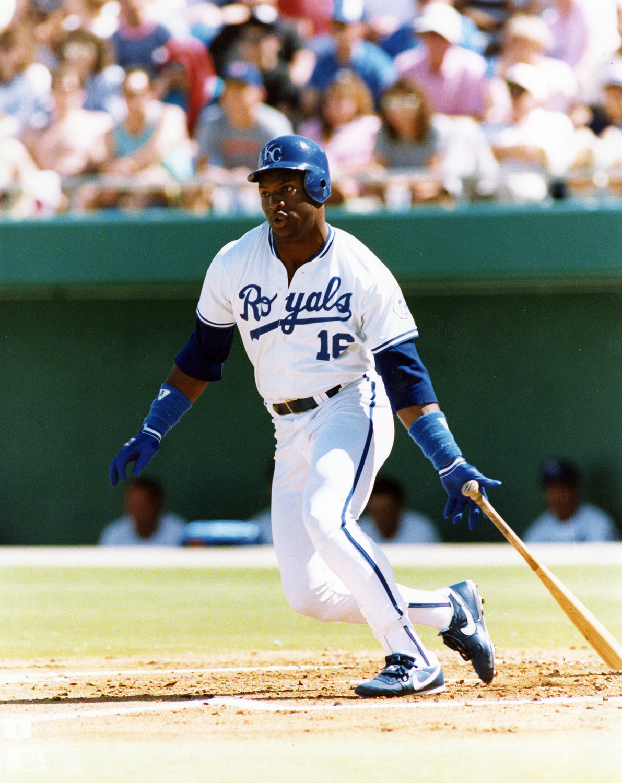 Bo Jackson began his MLB career with the Kansas City Royals in 1986 52fe2faa9