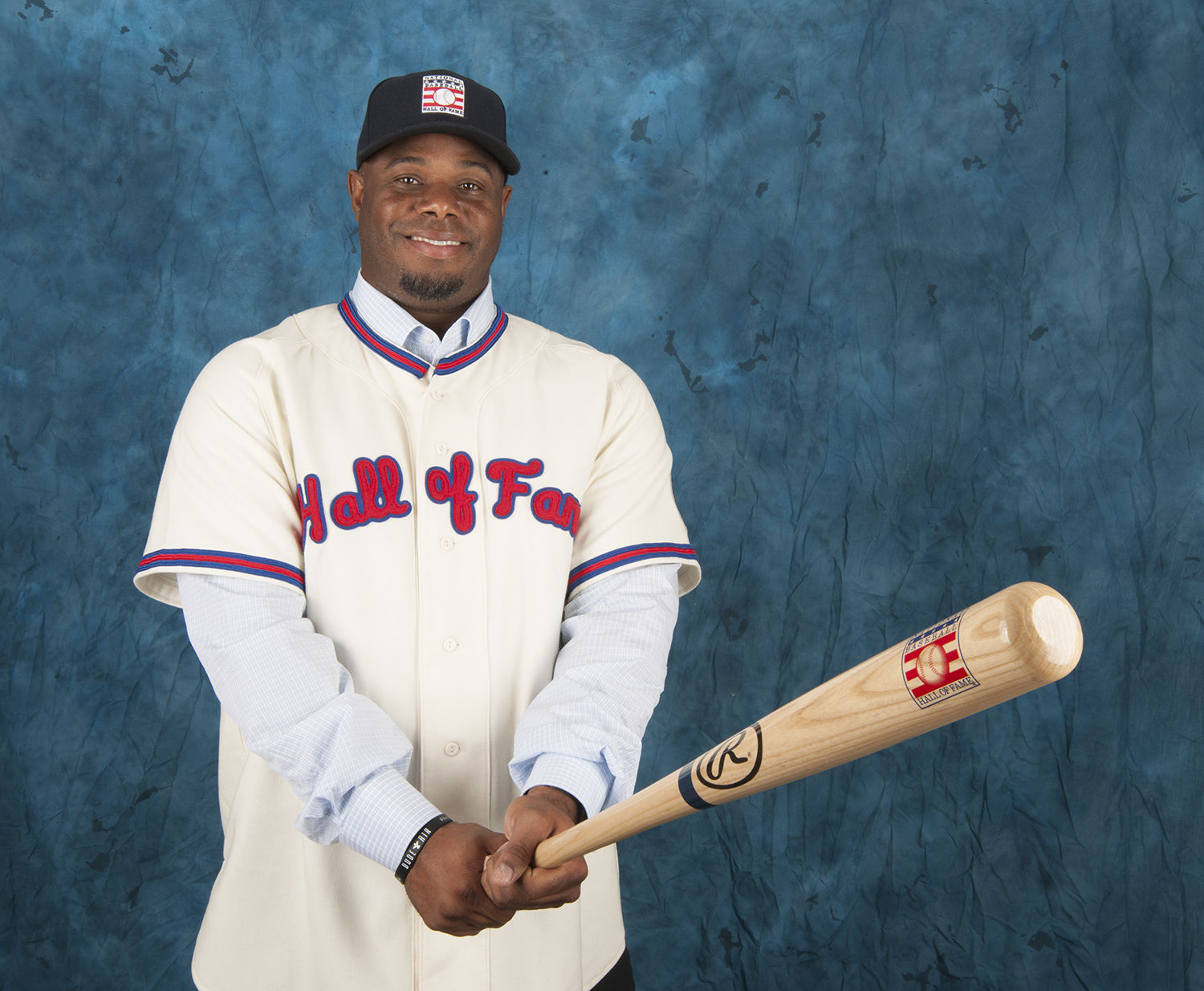 de19f05584 Ken Griffey Jr. received a record 99.32 percent of the vote from the BBWAA  in January, and will be inducted alongside Piazza in July. (National  Baseball ...