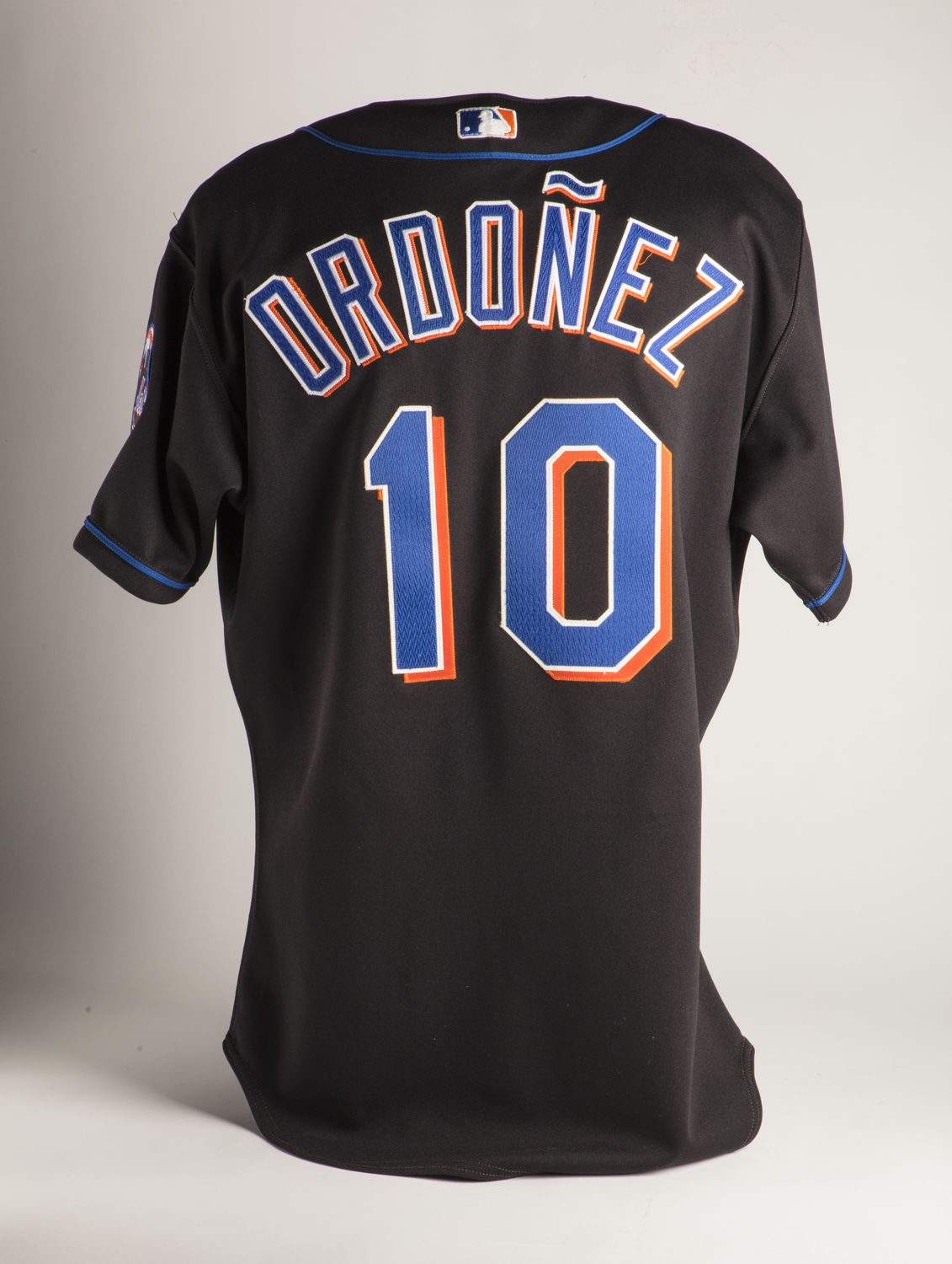 b7d79b9647f A 2001 Mets jersey worn by shortstop Rey Ordóñez illustrates the use of  accents on big league jerseys. (Milo Stewart Jr. National Baseball Hall of  Fame and ...