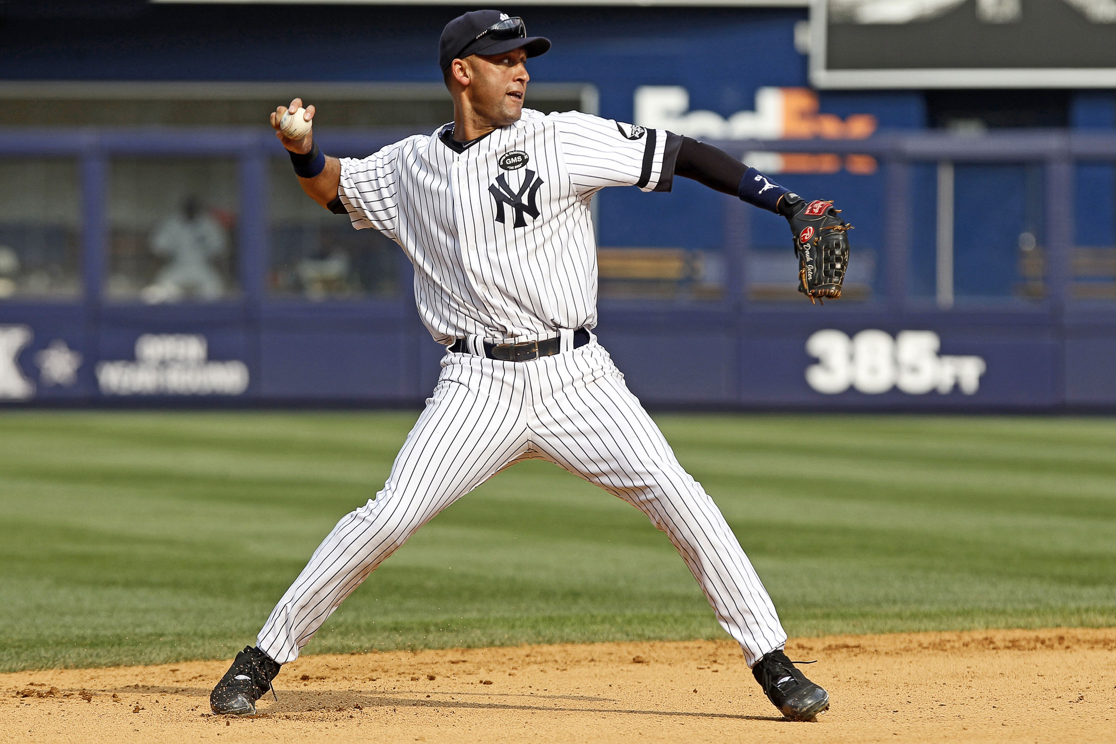 9e3a2f922fb Derek Jeter of the New York Yankees
