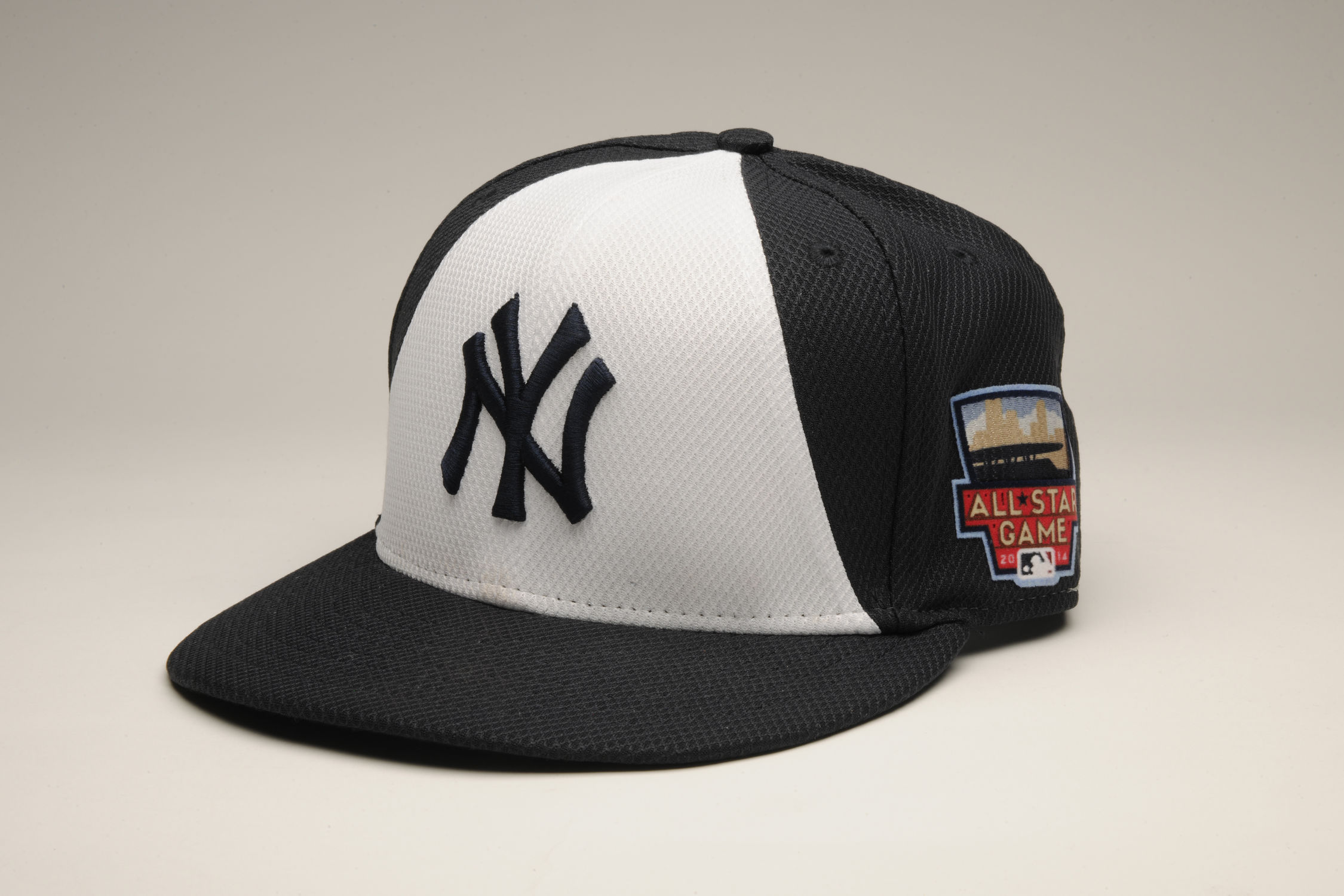 Cap worn by New York Yankees shortstop Derek Jeter during the 2014 All-Star  Game 7e28eb380c0