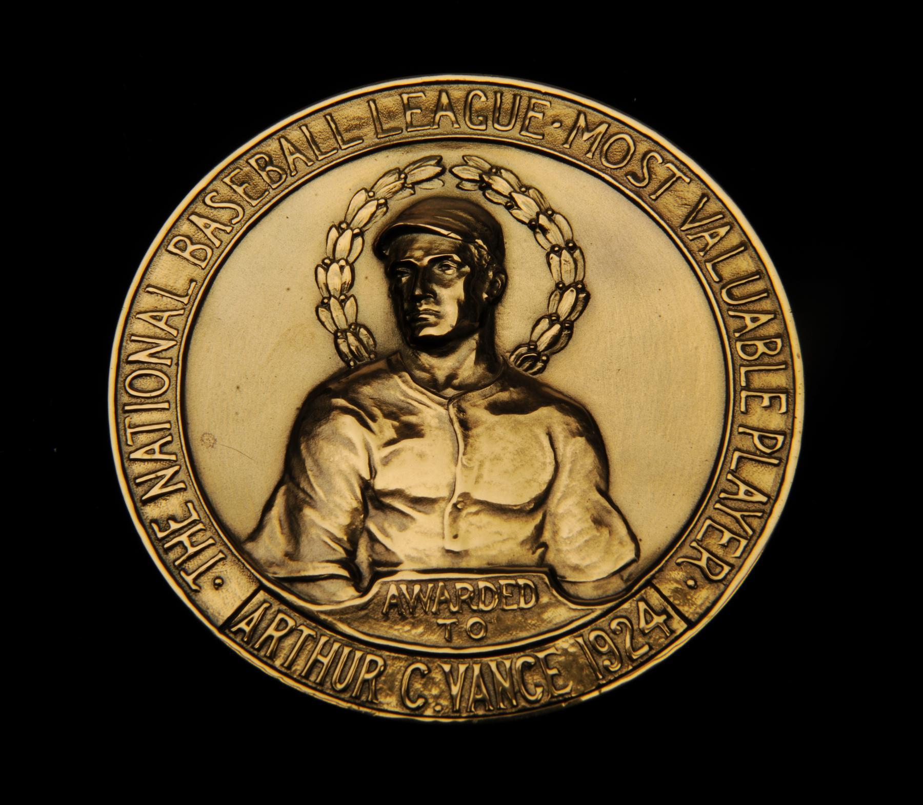Award_Vance%20Dazzy%20MVP%20medal_B-235-
