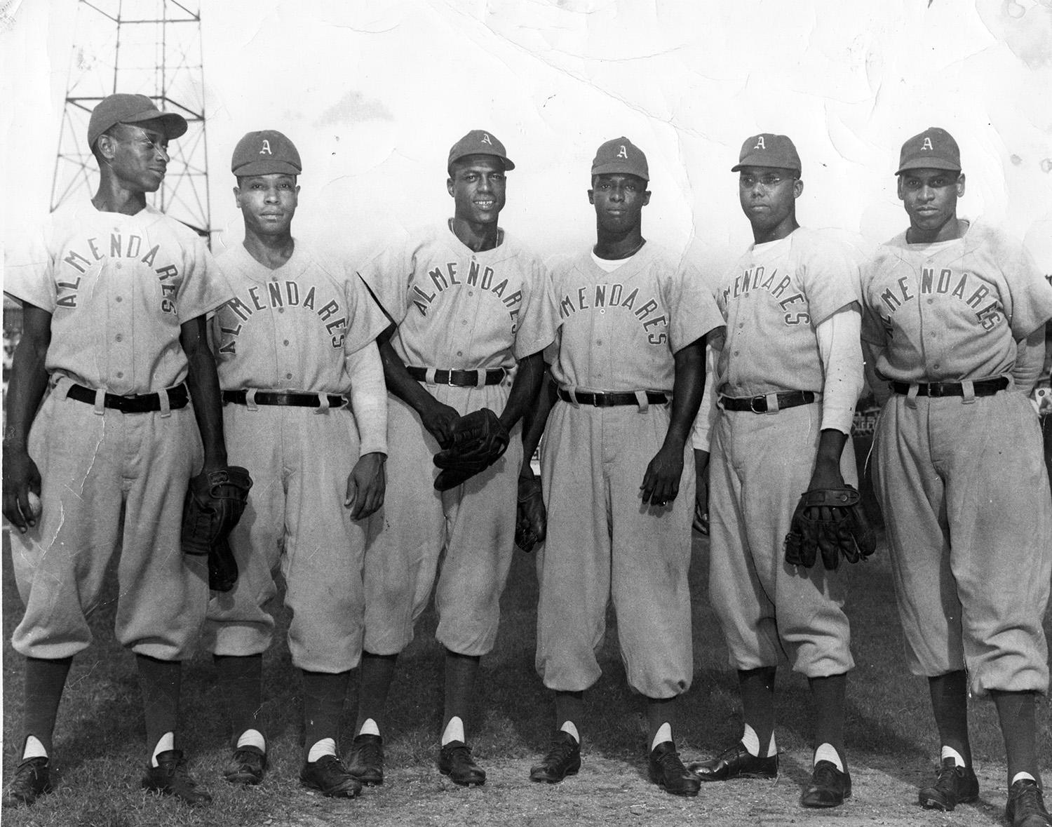 Cristóbal Torriente played winter ball for the Almendares Blues. Pictured above are members of the Blues in 1947. (National Baseball Hall of Fame)