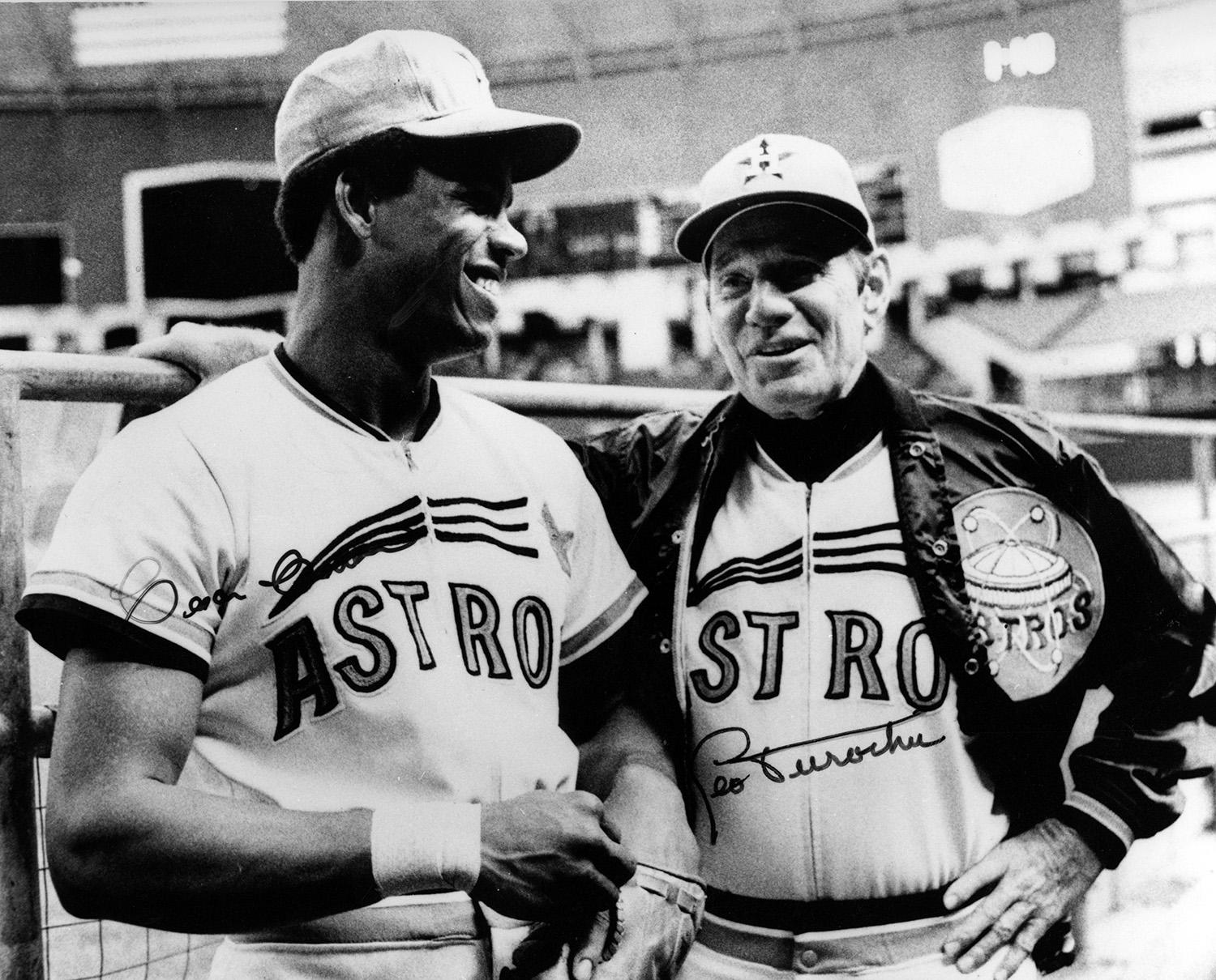 Astros manager Leo Durocher stands alongside Astros outfielder César Cedeño. (National Baseball Hall of Fame and Museum)