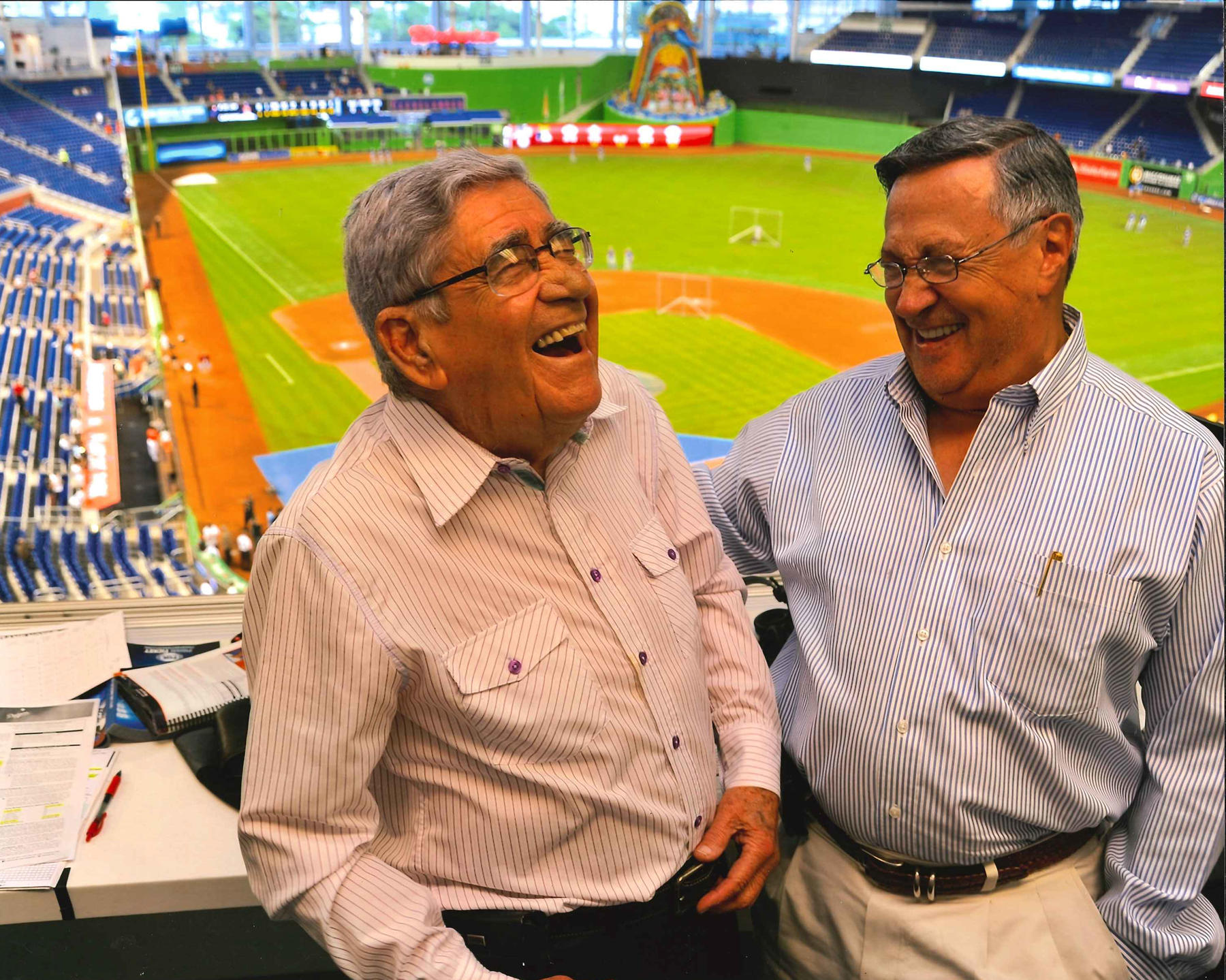 Felo Ramírez, the Spanish language voice of the Miami Marlins, shares a laugh with the Spanish language voice of the Los Angeles Dodgers, Jaime Jarrín. (National Baseball Hall of Fame and Museum)