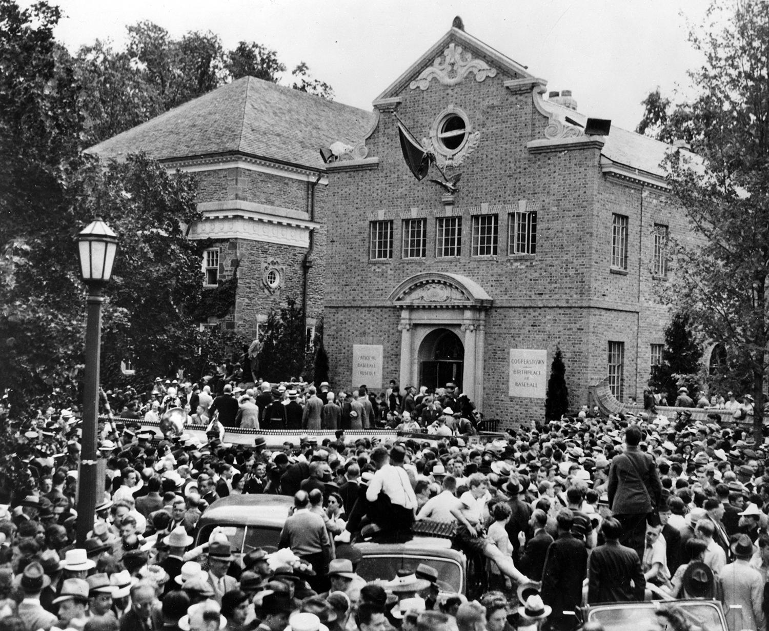 Fans line the streets of Cooperstown for the first Hall of Fame Induction in 1939. (Homer Osterhoudt / National Baseball Hall of Fame and Museum)