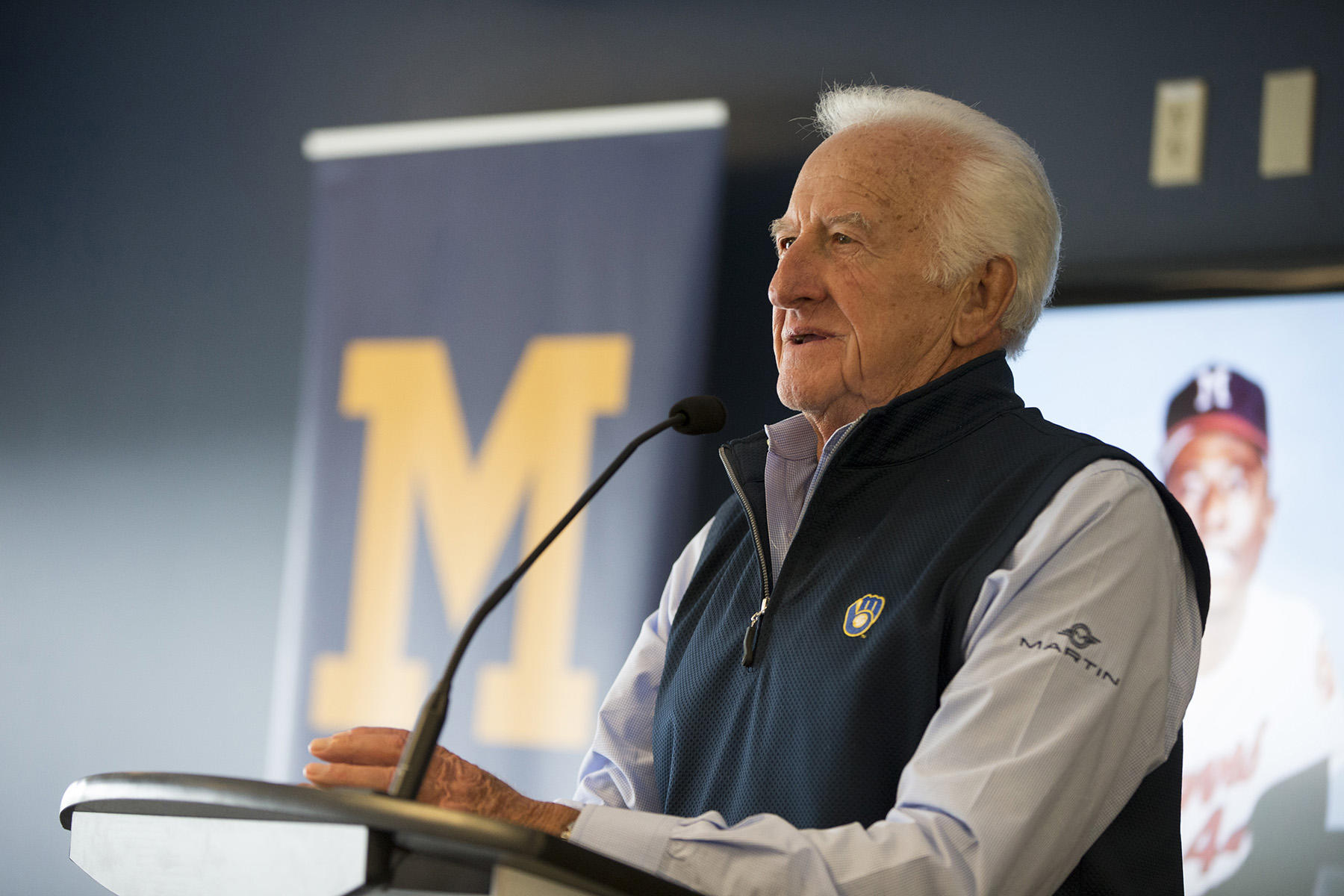 """Bob Uecker gives opening remarks at """"An Evening With Hank Aaron"""" held on September 24th, 2016 at Miller Park. (Scott Paulus/Milwaukee Brewers)"""
