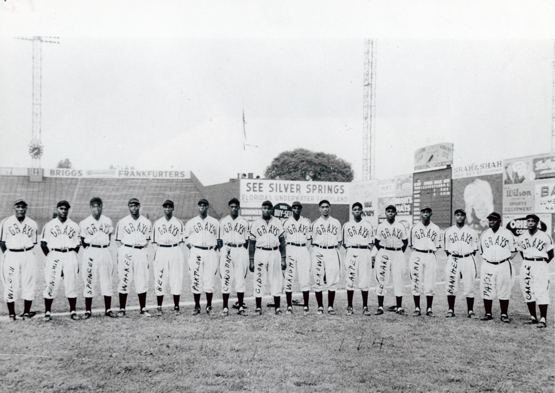 The 1943 Homestead Grays. BL-3284-72 (National Baseball Hall of Fame Library)