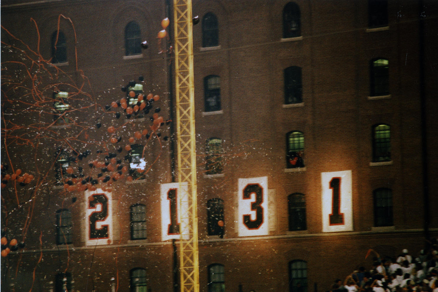 """When Cal Ripken officially broke Lou Gehrig's consecutive games streak, the B&O Warehouse nearby Camden Yards aptly dropped the """"0"""" in """"2,130"""" to show """"2,131."""" (Richard Lasner/National Baseball Hall of Fame and Museum)"""
