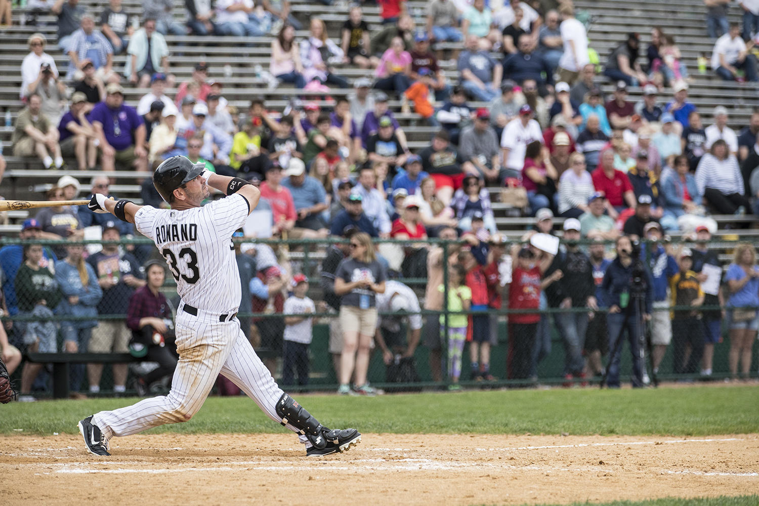 Aaron Rowand, pictured above, took home both the MVP Award and the Home Run Derby title at the 2017 Hall of Fame Classic. (Milo Stewart Jr. / National Baseball Hall of Fame and Museum)