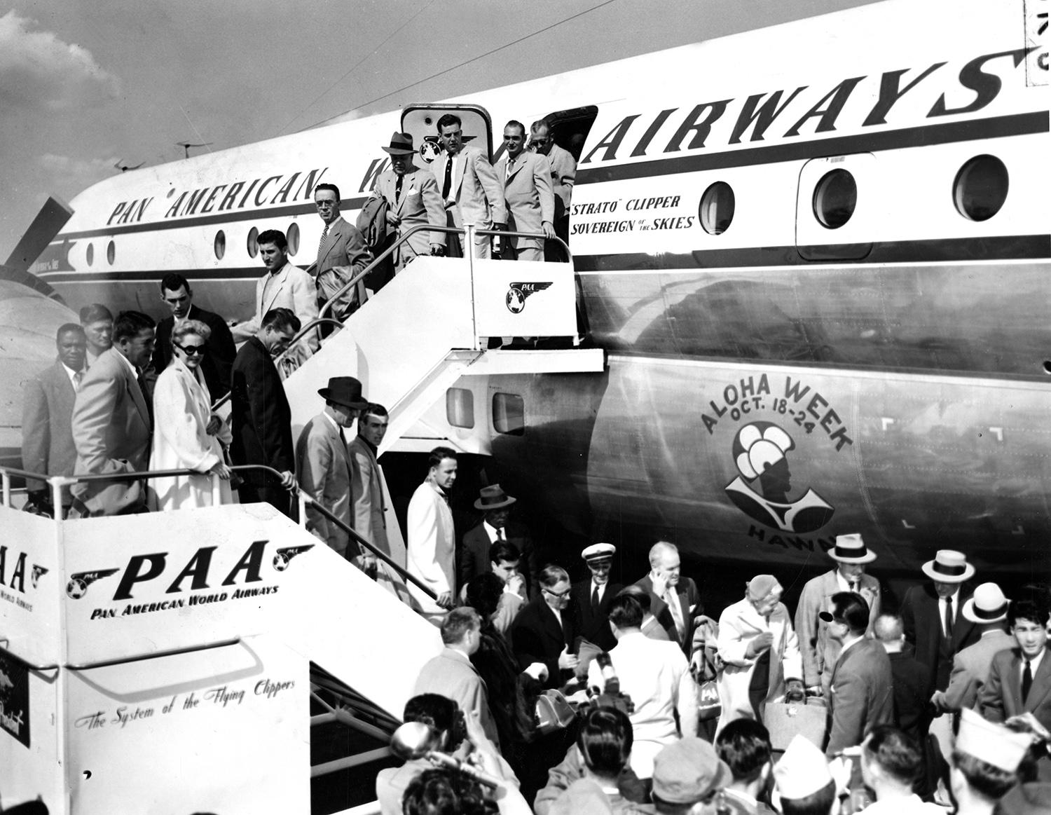 """The New York Giants arriving in Japan for their 1953 tour. <a href=""""http://collection.baseballhall.org/islandora/object/islandora%3A273628"""">PASTIME</a> (National Baseball Hall of Fame)"""