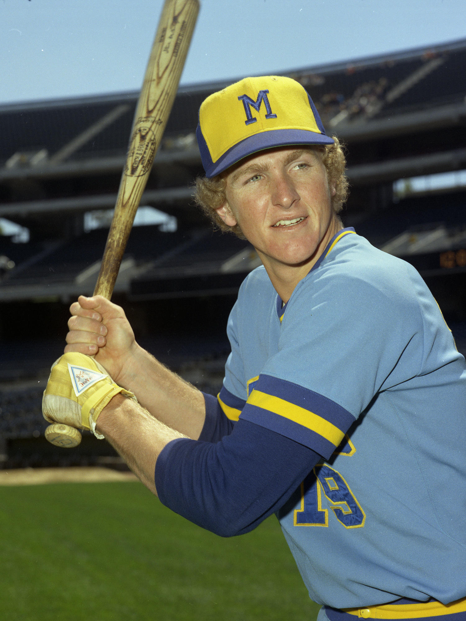 Robin Yount played for the Milwaukee Brewers for the entirety of his professional career, debuting as an 18-year-old in 1974. (Doug McWilliams / National Baseball Hall of Fame)