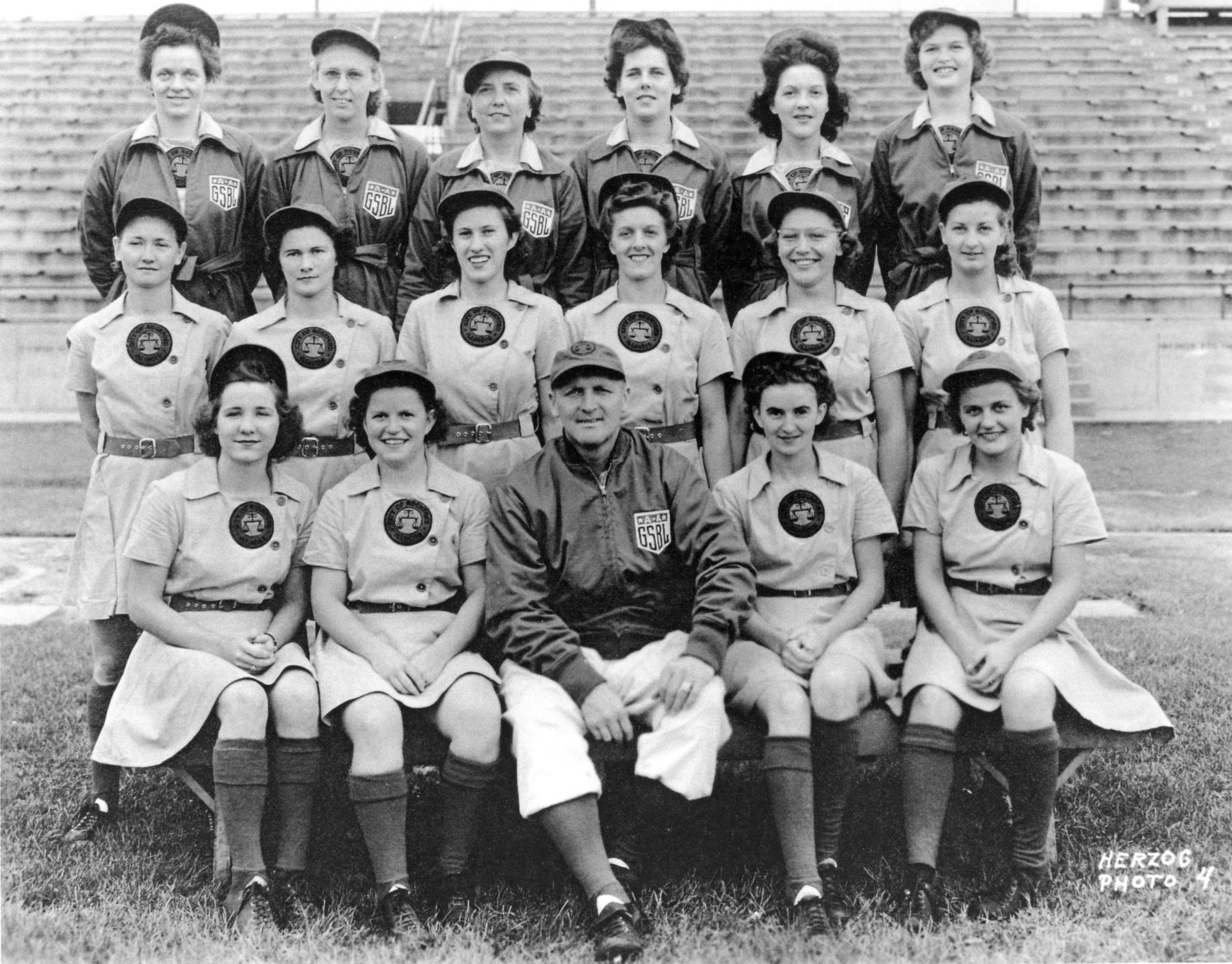 Rockford Peaches, 1943 - BL-9820-94  (National Baseball Hall of Fame Library)