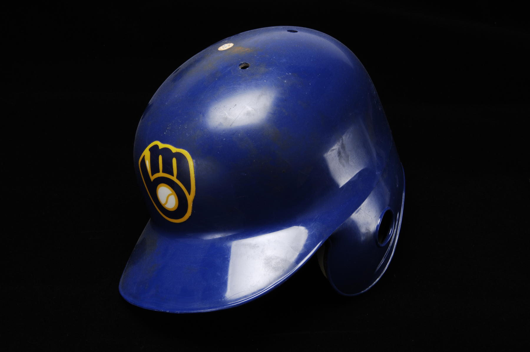 Helmet worn by Robin Yount when he singled off Cleveland's Jose Mesa on September 9, 1992 for his 3000th career hit - B-217-92 (Milo Stewart Jr./National Baseball Hall of Fame Library)