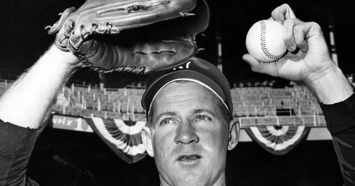 7c9f8b911f583 Whitey Ford wins Game 4 of 1950 World Series