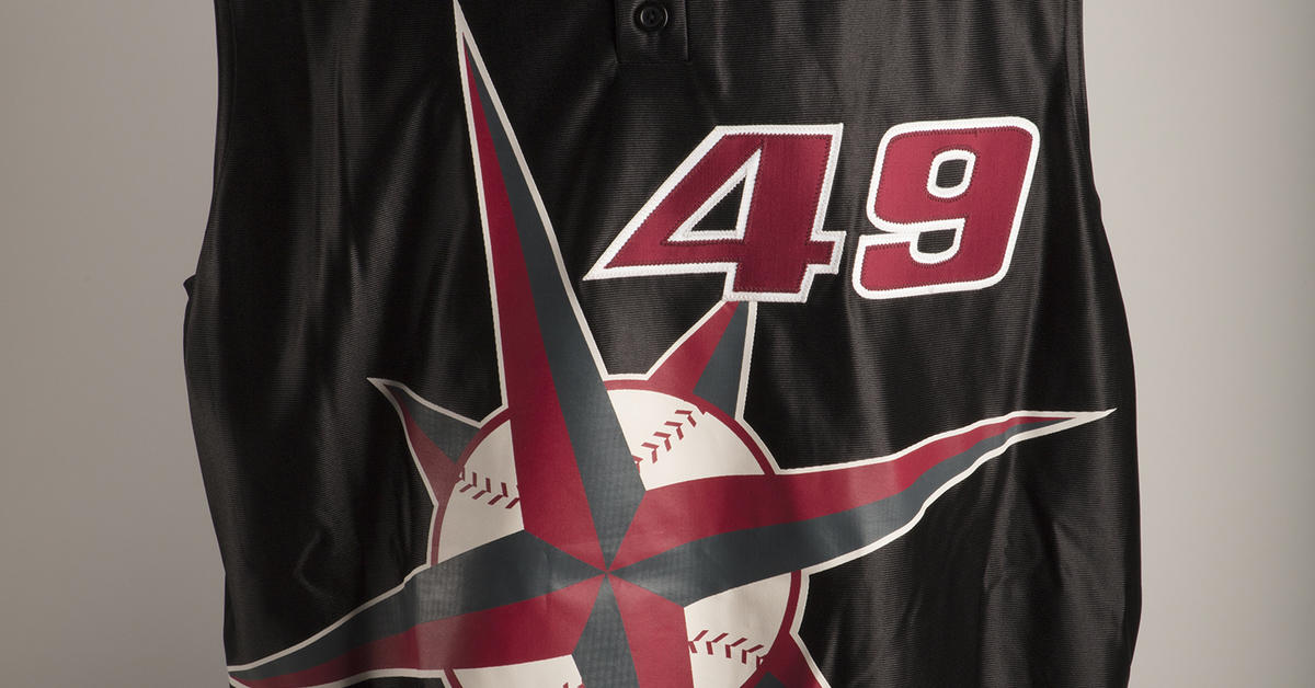 f66d548cfe8 Futuristic Mariners jersey donated to Hall of Fame | Baseball Hall of Fame