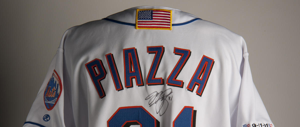 newest 59519 f5462 Piazza jersey from first game after 9/11 continues to ...