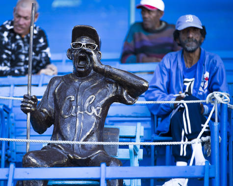 A statue among the Industriales fans in Estadio Latinoamericano on January 19, 2014 in Havana, Cuba. (Jean Fruth / National Baseball Hall of Fame)