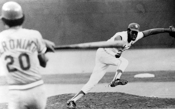 Bob Gibson strikes out Cincinnati Reds outfielder César Gerónimo to record his 3000th strikeout. (National Baseball Hall of Fame and Museum)