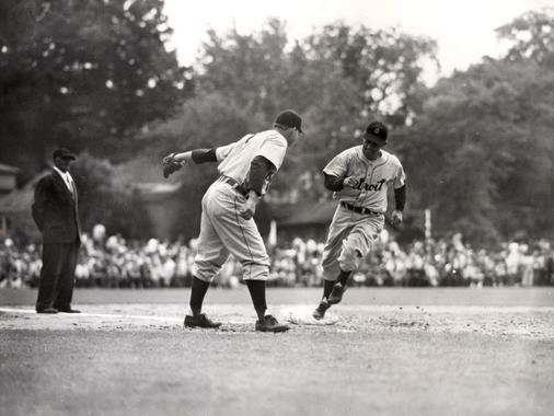 Detroit's Charlie Gehringer, a future Hall of Famer, runs the bases. (National Baseball Hall of Fame Library)