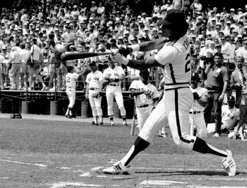Jose Cruz of the Astros takes a swing during the Home Run Derby at the 1985 Hall of Fame Game. (Tom Ryder/National Baseball Hall of Fame and Museum)