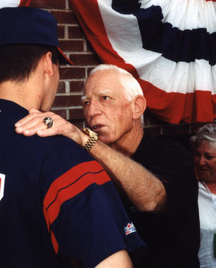 Sparky Anderson, one of the 2000 Hall of Fame inductees, chats with a Cleveland Indians player at the July 24, 2000, Hall of Fame Game at Doubleday Field. (Tom Ryder/National Baseball Hall of Fame and Museum)