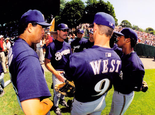 The Brewers, including Todd West, gather on the field before the start of the 2001 Hall of Fame Game. (Tom Ryder/National Baseball Hall of Fame and Museum)