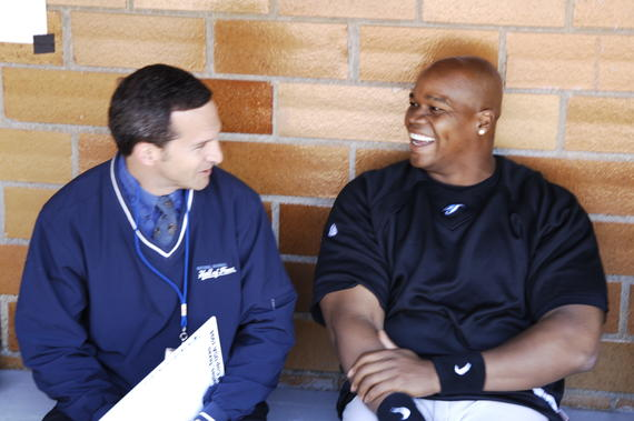 Frank Thomas of the Blue Jays chats with future Baseball Hall of Fame President Jeff Idelson at the Hall of Fame Game on May 21, 2007. (Milo Stewart Jr./National Baseball Hall of Fame and Museum)
