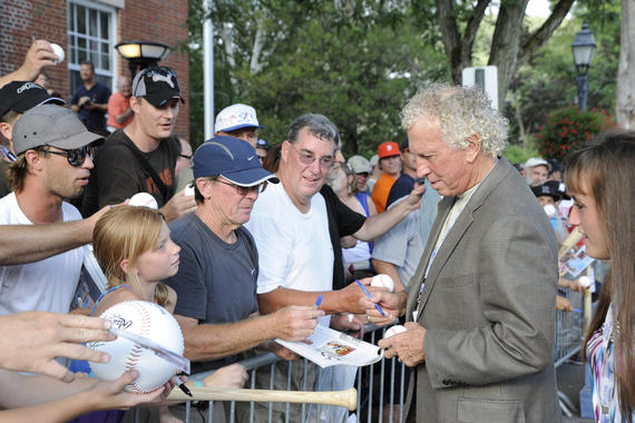 Don Sutton, who was elected to the Hall of Fame in 1998, signs autographs for fans at the Hall of Fame <em>Parade of Legends</em> in 2011. (Milo Stewart Jr./National Baseball Hall of Fame and Museum)