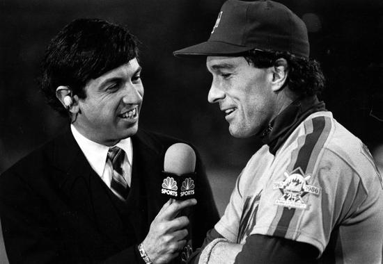 NBC Broadcaster Marv Albert talking with New York Mets catcher Gary Carter, 1986 - BL-1694-88 (Tom Heitz/National Baseball Hall of Fame Library)