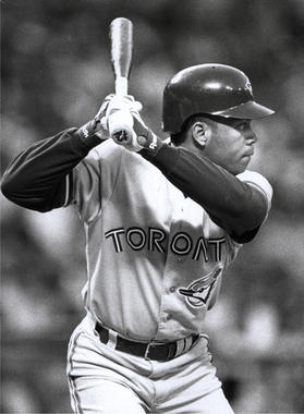 Roberto Alomar batting for the Toronto Blue Jays. He was with Toronto from 1991 to 1995 - BL-2290-99 (John Cordes/National Baseball Hall of Fame Library)