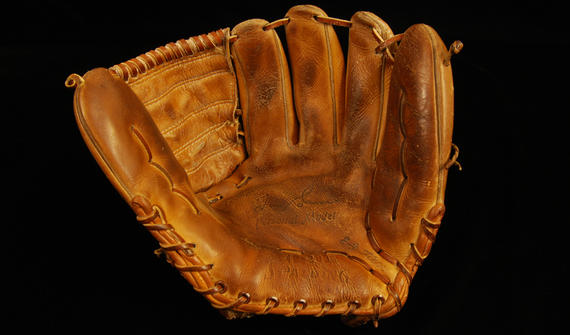Glove used by Tom Seaver of the New York Mets to record his 19 strikeouts on April 22, 1970. B-185.74