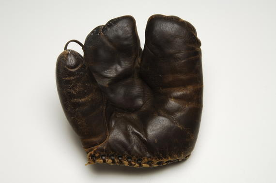 Johnny Evers' two-fingered glove - B-253-2001 (Milo Stewart Jr./National Baseball Hall of Fame Library)