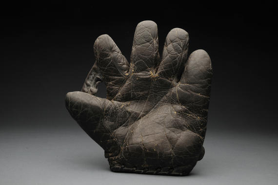 Glove used by Christy Mathewson - B-88-37 (Milo Stewart Jr./National Baseball Hall of Fame Library)