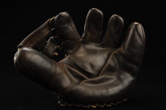 Glove used by shortstop Lou Boudreau - B-129-70  (Milo Stewart Jr./National Baseball Hall of Fame Library)