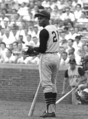 Roberto Clemente, Pittsburgh Pirates, approaches the plate at Wrigley Field in Chicago, August 21, 1963 - BL-4369-2000 (Don Sparks/National Baseball Hall of Fame Library)