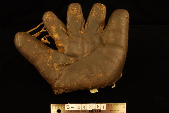 Luke Appling used this glove early in his career. - B-432.64 (Milo Stewart Jr./National Baseball Hall of Fame Library)