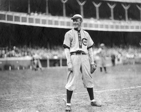 Johnny Evers, Chicago Cubs, 1909 - BL-1480-68 (National Baseball Hall of Fame Library)