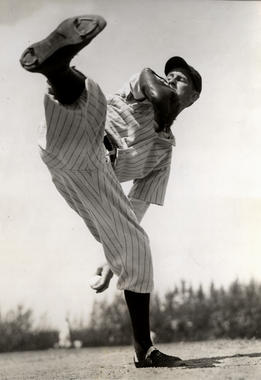 New York Yankees' Lefty Gomez - BL-1053-68 (National Baseball Hall of Fame Library)