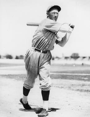 Chick Hafey of the St. Louis Cardinals - BL-2176-68 (National Baseball Hall of Fame Library)