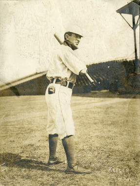 Willie Keeler, New York Highlanders, c. 1905 - BL-1502-68WTa (National Baseball Hall of Fame Library)