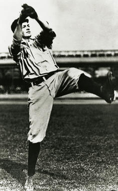Christy Mathewson displays the form that helped him win 31 games for the New York Giants in 1905. BL-1404-92 (Louis VanOeyen / National Baseball Hall of Fame Library)