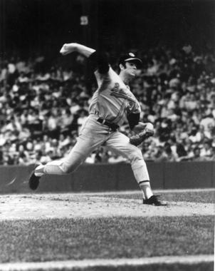 Jim Palmer of the Baltimore Orioles pitching - BL-4724-71d (National Baseball Hall of Fame Library)