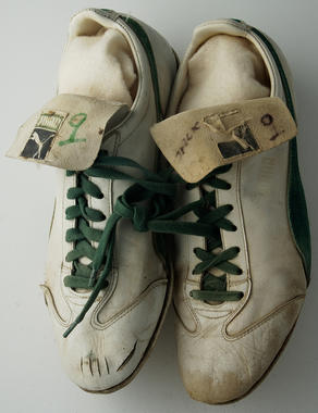 Shoes worn by Oakland A's outfielder Reggie Jackson during the 1973 World Series - B-189-74 (Milo Stewart Jr./National Baseball Hall of Fame Library)