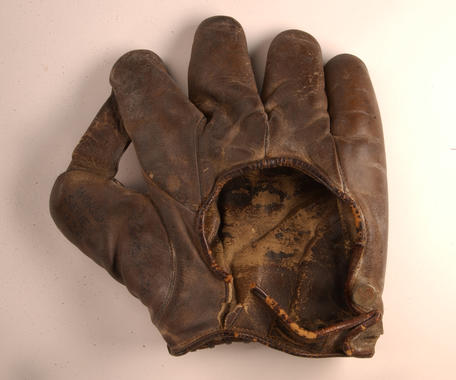 Glove used by Babe Ruth in the 1926 World Series - B-15-49b (Milo Stewart Jr./National Baseball Hall of Fame Library)