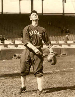 Ray Schalk of the Chicago White Sox making a catch - BL-6287-72d (National Baseball Hall of Fame Library)