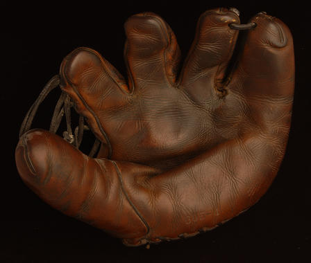 Glove used by Cardinals outfielder Enos Slaughter in the 1946 season and World Series - B-2725-63 (Milo Stewart Jr./National Baseball Hall of Fame Library)