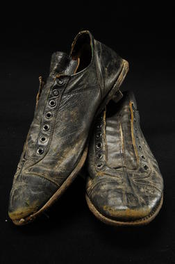 Shoes worn by Richie Ashburn with the Philadelphia Phillies - B-270.95  (Milo Stewart Jr./National Baseball Hall of Fame Library)