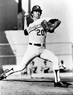 Don Sutton of the Los Angeles Dodgers pitching - BL-2496-77 (National Baseball Hall of Fame Library)